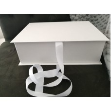LARGE CLAMSHELL BOX